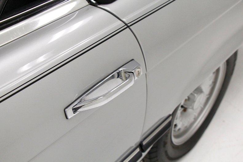 1984 Mercedes-Benz 380 SL Convertible 12