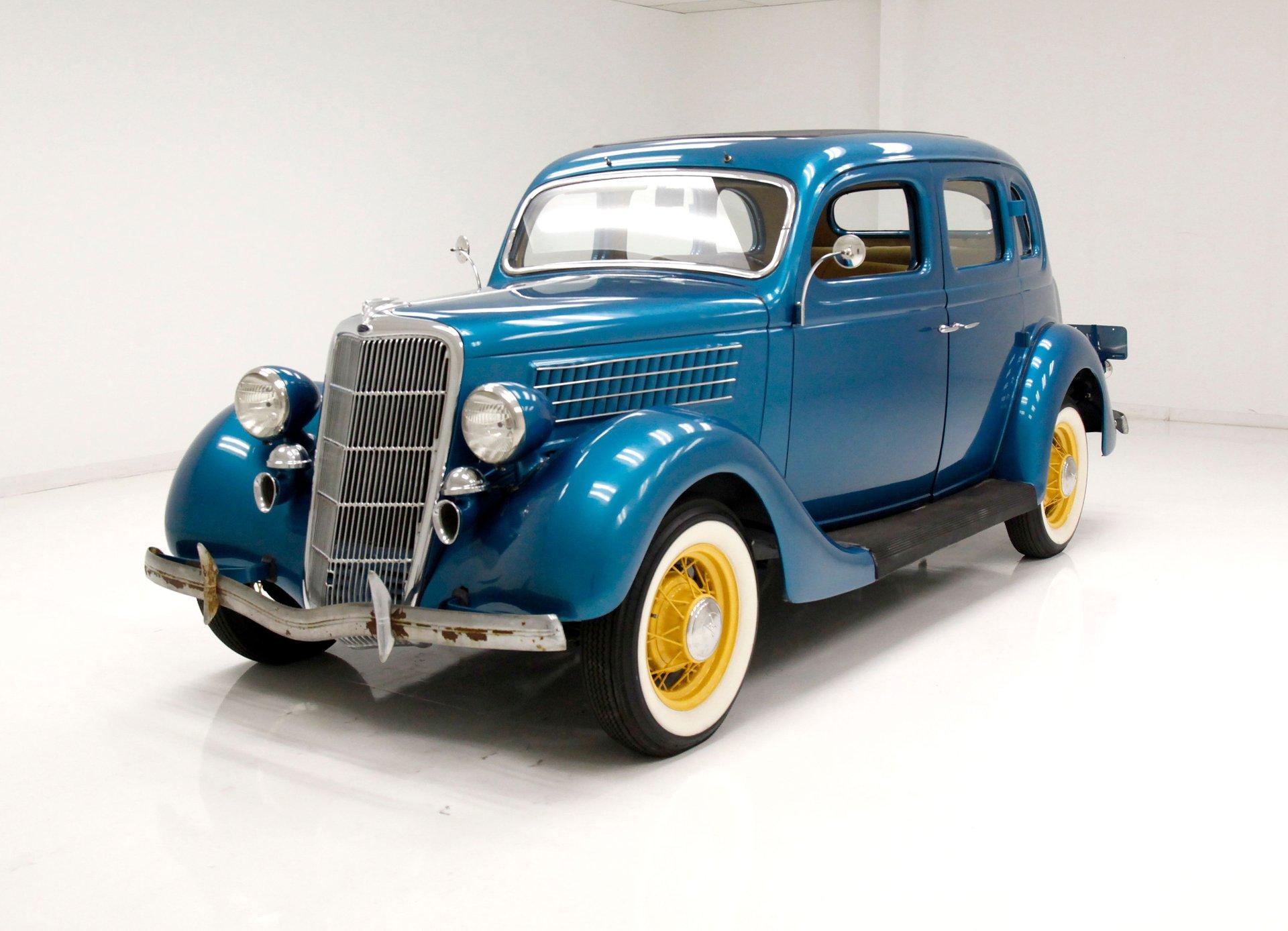 1935 Ford Model 48