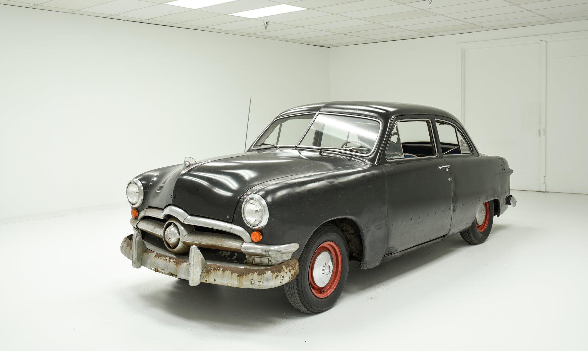 1950 Ford 2-Door Sedan