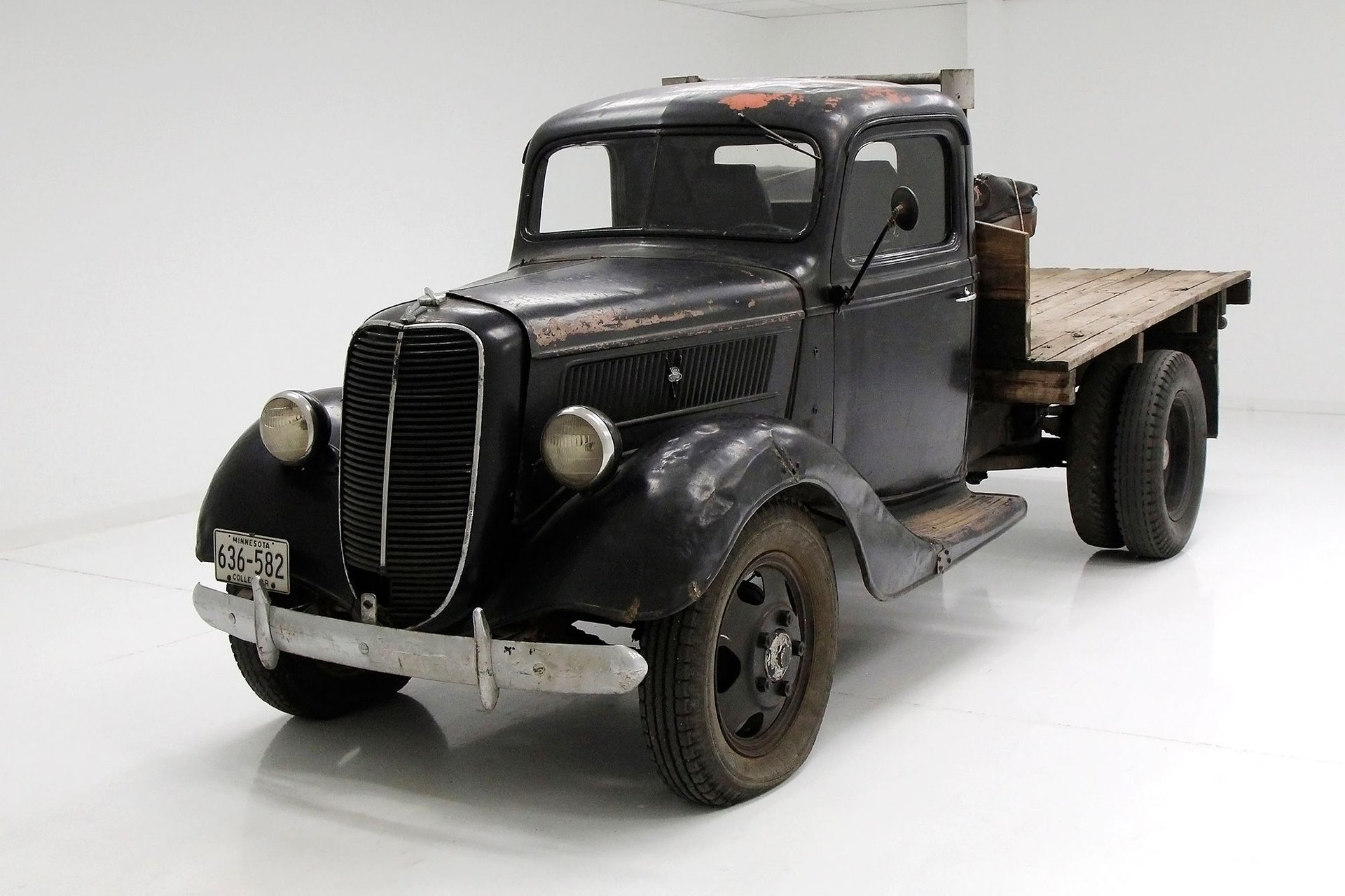 1937 Ford 1 1/2 Ton Flatbed Truck