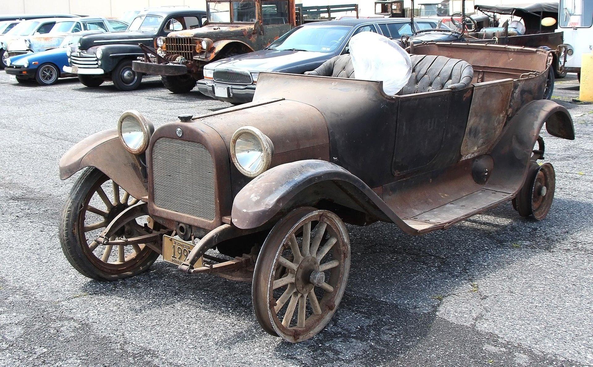 1916 Dodge Touring