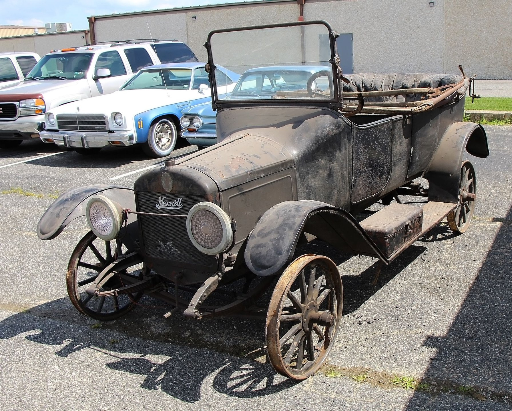 1915 Maxwell 25 Touring Sedan