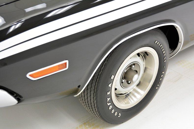1971 Dodge Challenger 13