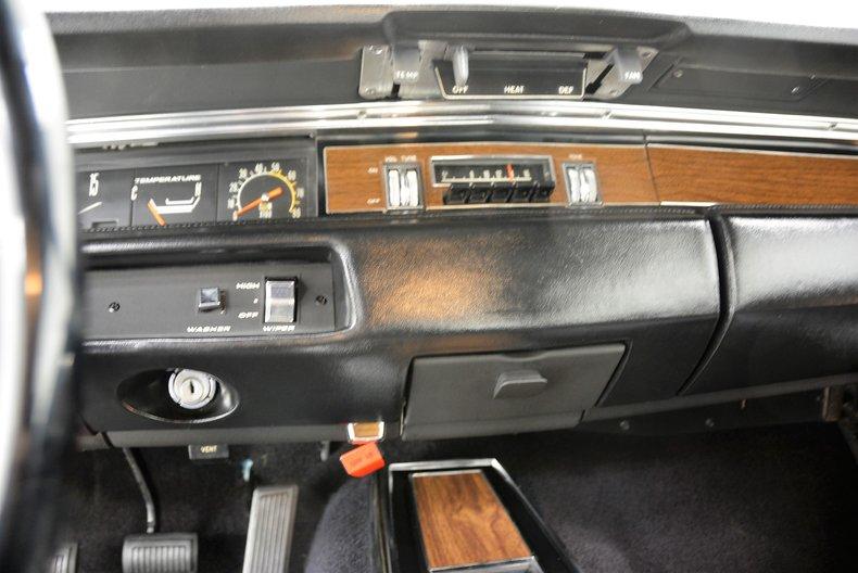 1969 Plymouth GTX 35