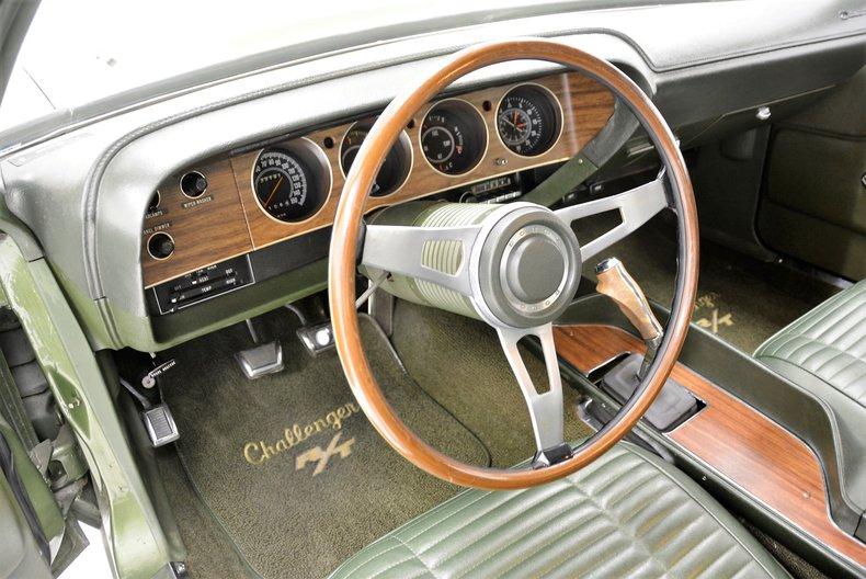 1970 Dodge Challenger 31