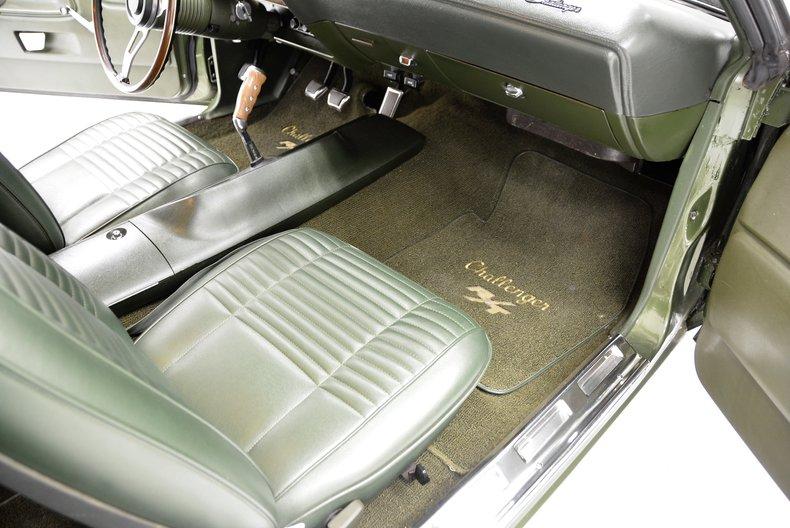 1970 Dodge Challenger 39