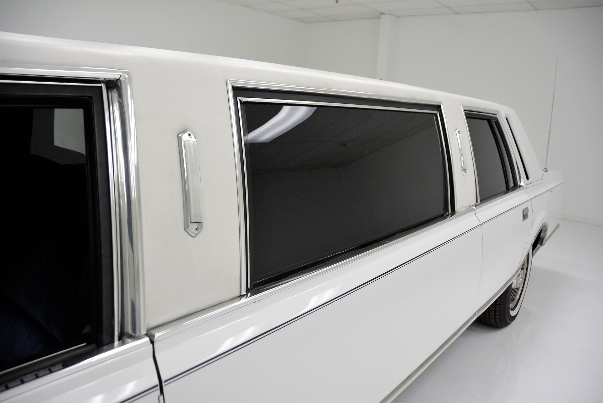 1985 Lincoln Town Car Berlin Motors