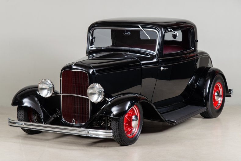1932 Ford 3-Window Coupe_5912