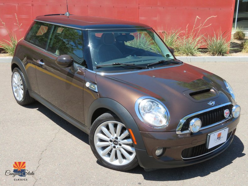 2010 MINI Cooper Hardtop 2DR S Coupe Mayfair Edition
