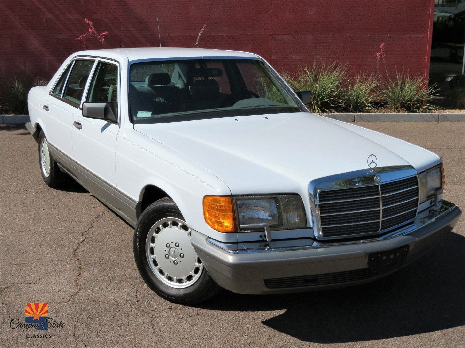1987 Mercedes-Benz 300 Series