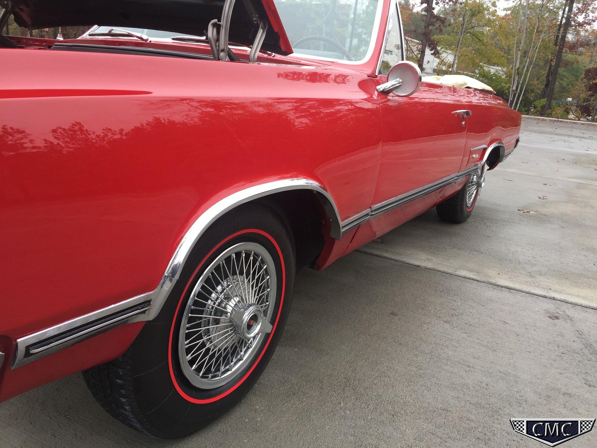 1965 Oldsmobile 442   Carolina Muscle Cars Inc