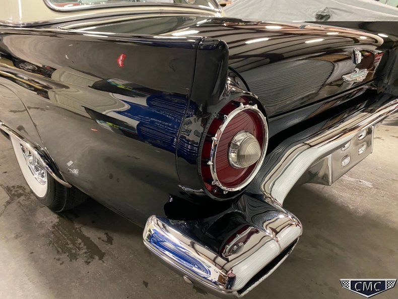 1957 Ford Thunderbird 48