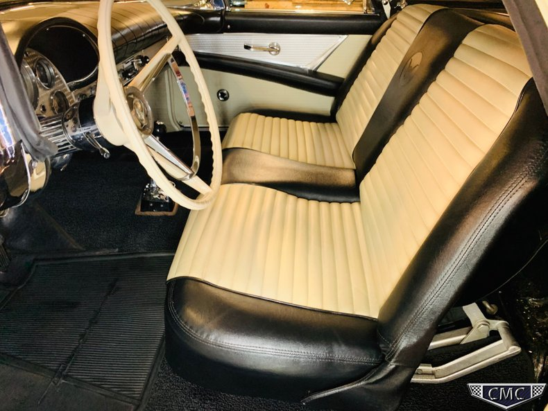 1957 Ford Thunderbird 31