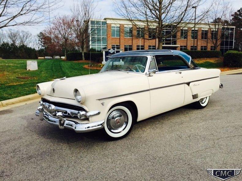 1954 Ford Crestliner