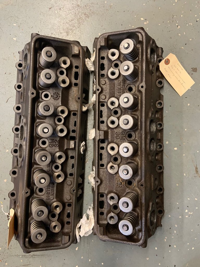 1969-70 302, 350, camel hump, has accessory holes, 64cc chambers cylinder heads