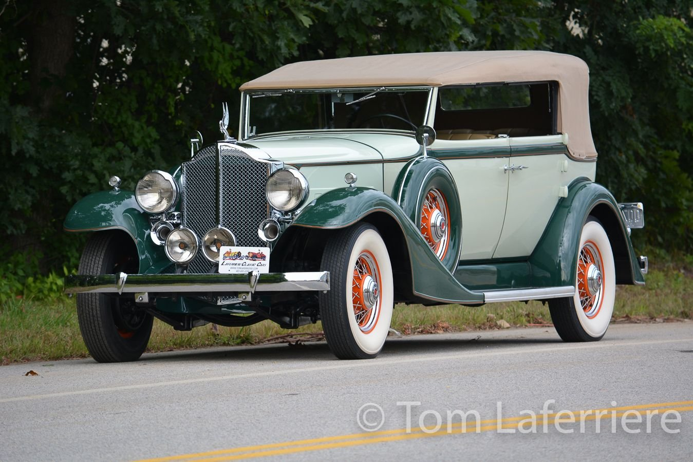 1933 packard 1002 eight