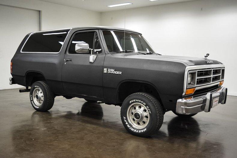 1990 Dodge AW1