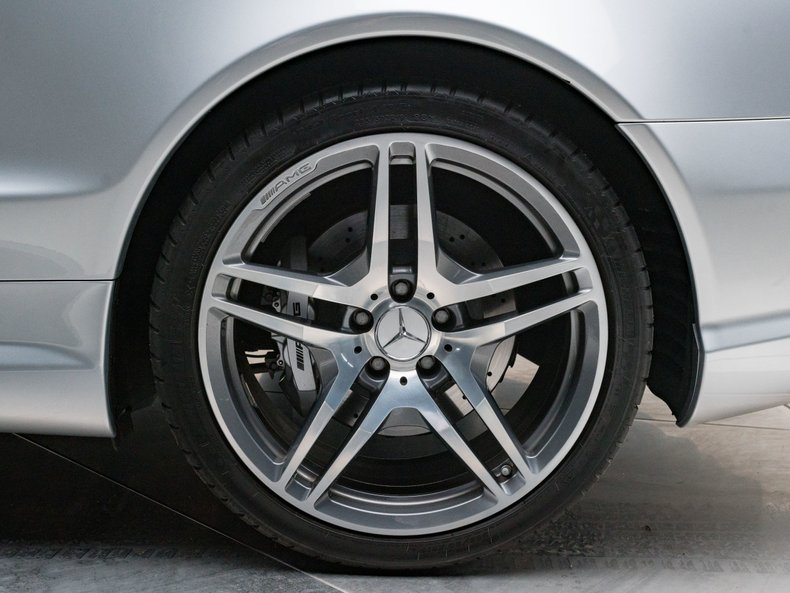 2009 Mercedes-Benz SL63 AMG 15