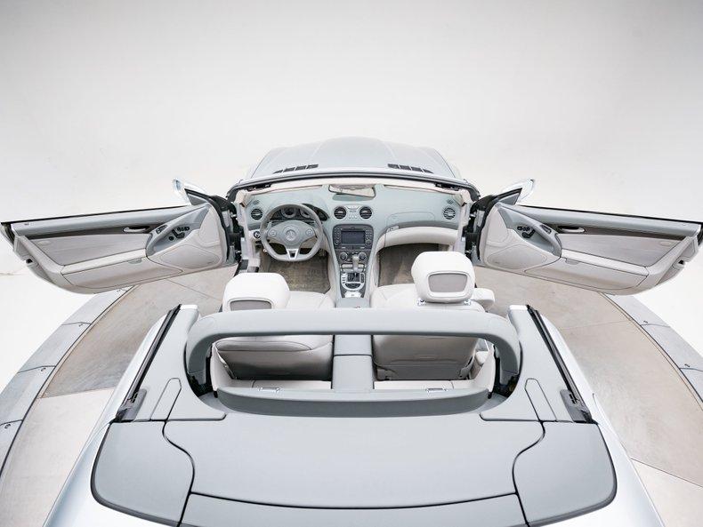 2009 Mercedes-Benz SL63 AMG 27