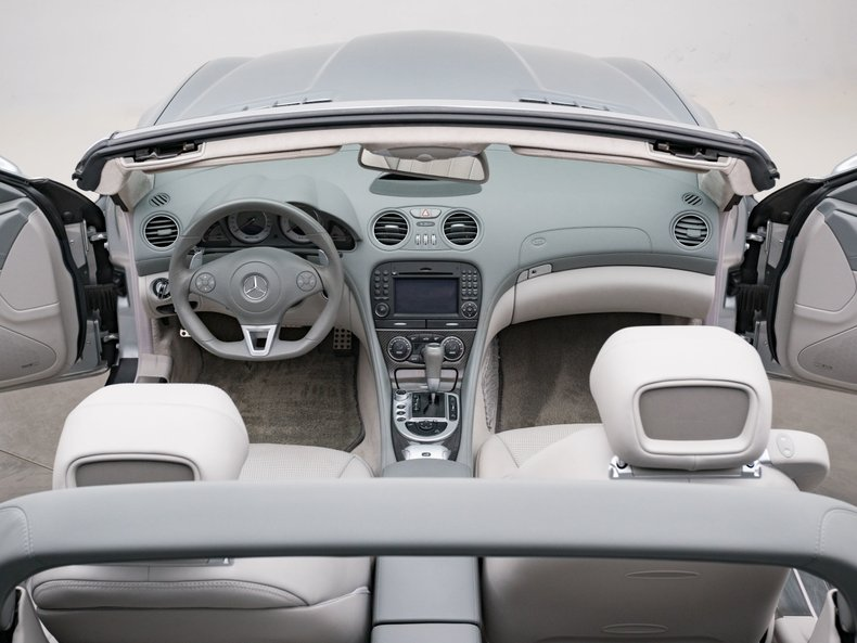 2009 Mercedes-Benz SL63 AMG 28