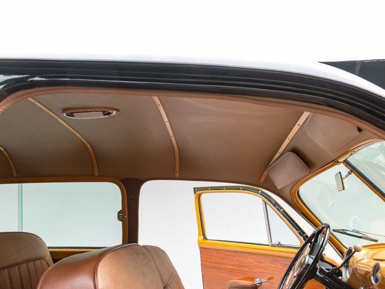 1949 Ford Custom 32