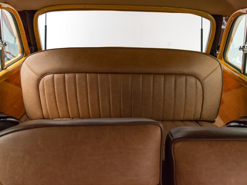 1949 Ford Custom 25