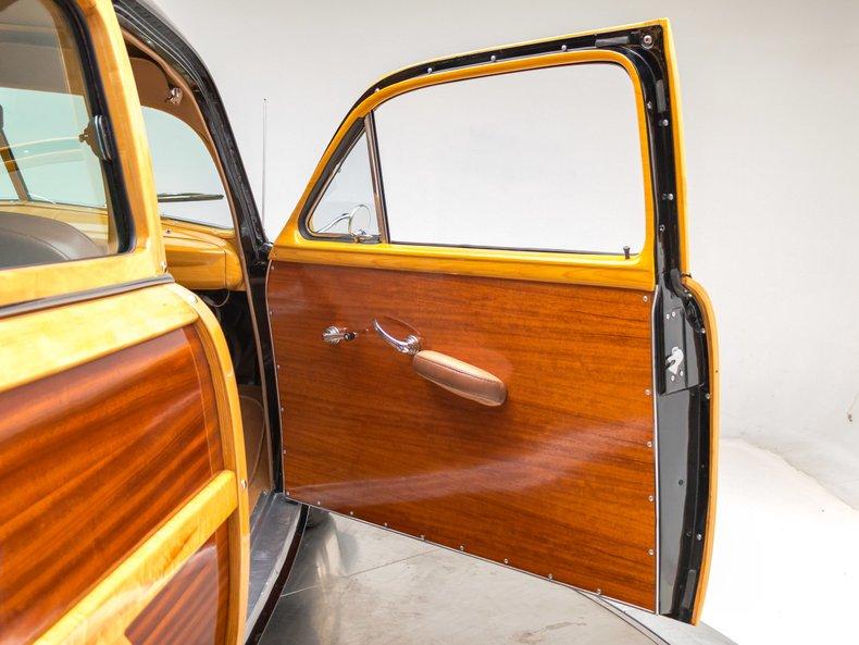 1949 Ford Custom 18