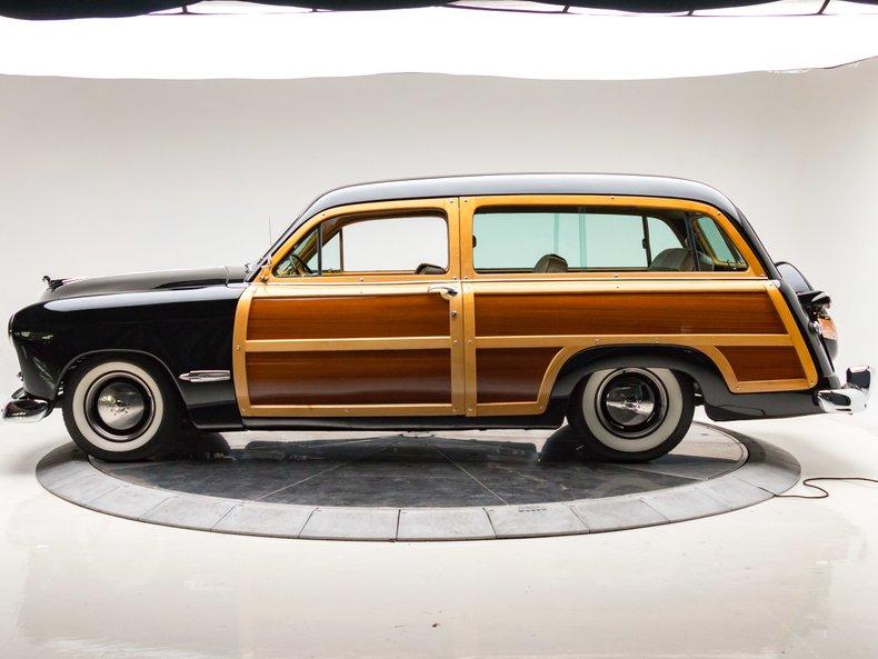 1949 Ford Custom 8