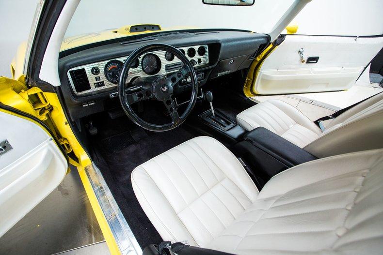 1976 Pontiac Trans Am 24