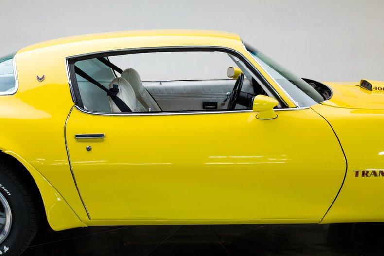 1976 Pontiac Trans Am 13
