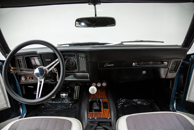 1969 Chevrolet Camaro 27
