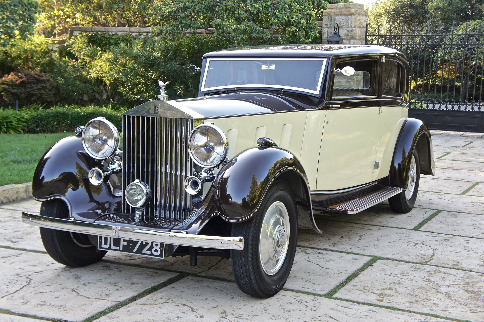 1936 rolls royce phantom iii saloon by barker
