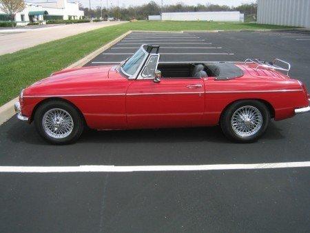 1966 MG B