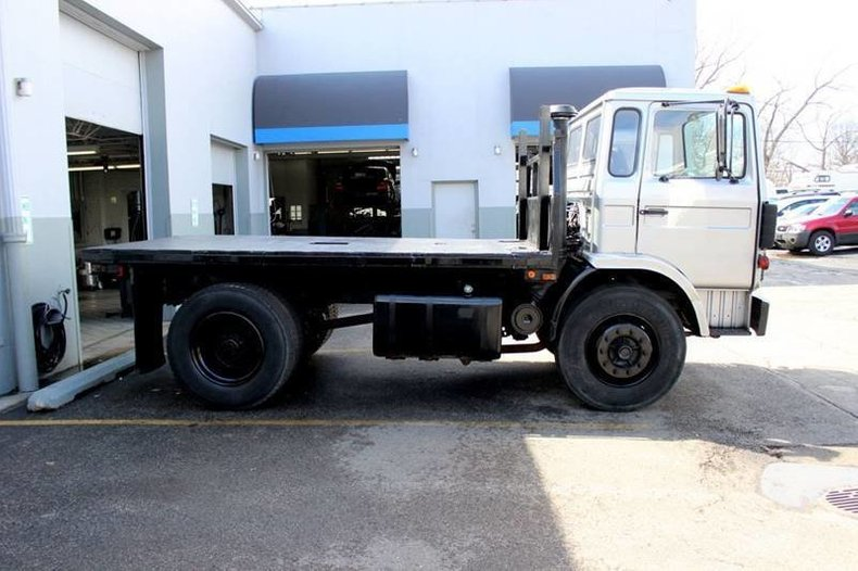 For Sale 1986 Mack Flatbed