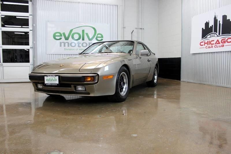 1983 porsche 944 2dr hatchback