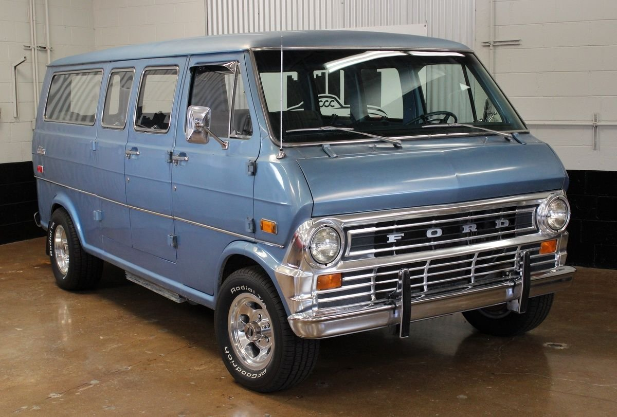 1974 ford econoline club wagon chateau