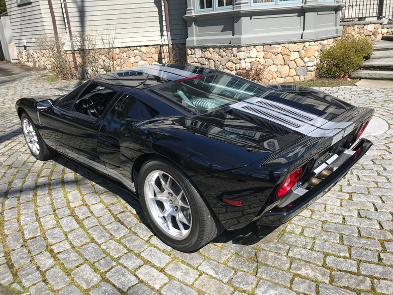 2006 Ford GT 19