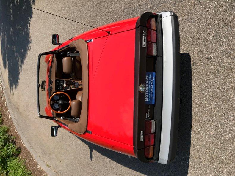 1983 Alfa Romeo Veloce spyder 26