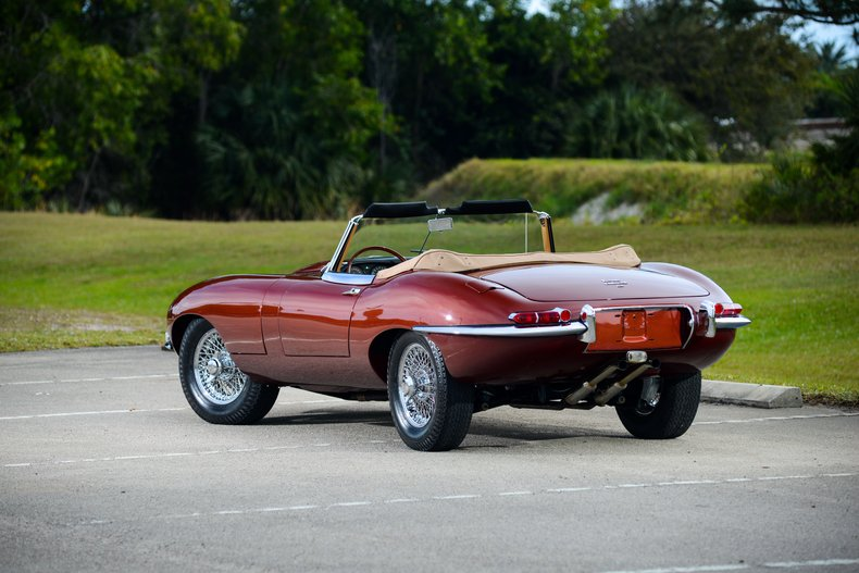 1966 Jaguar E-Type 13