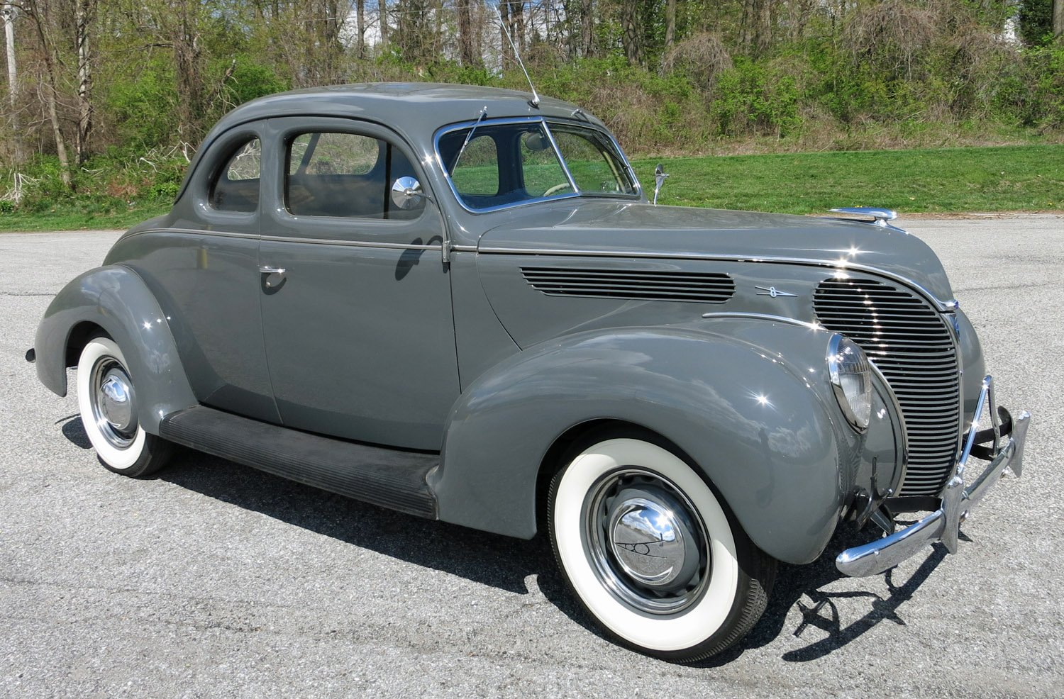 1938 Ford Deluxe