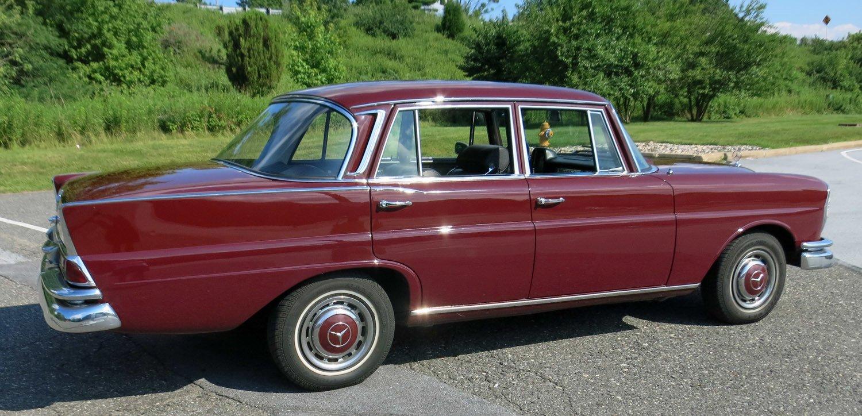 1966 Mercedes-Benz 230 S