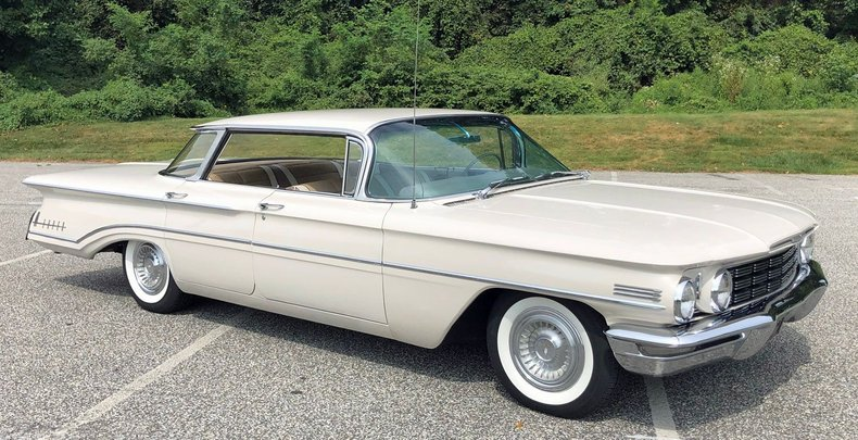 1960 oldsmobile super 88 holiday sedan