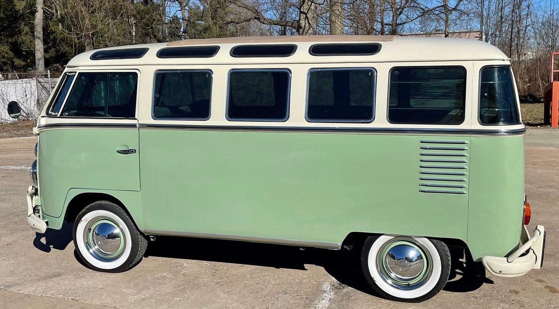 1964 Volkswagen 23 Window Bus