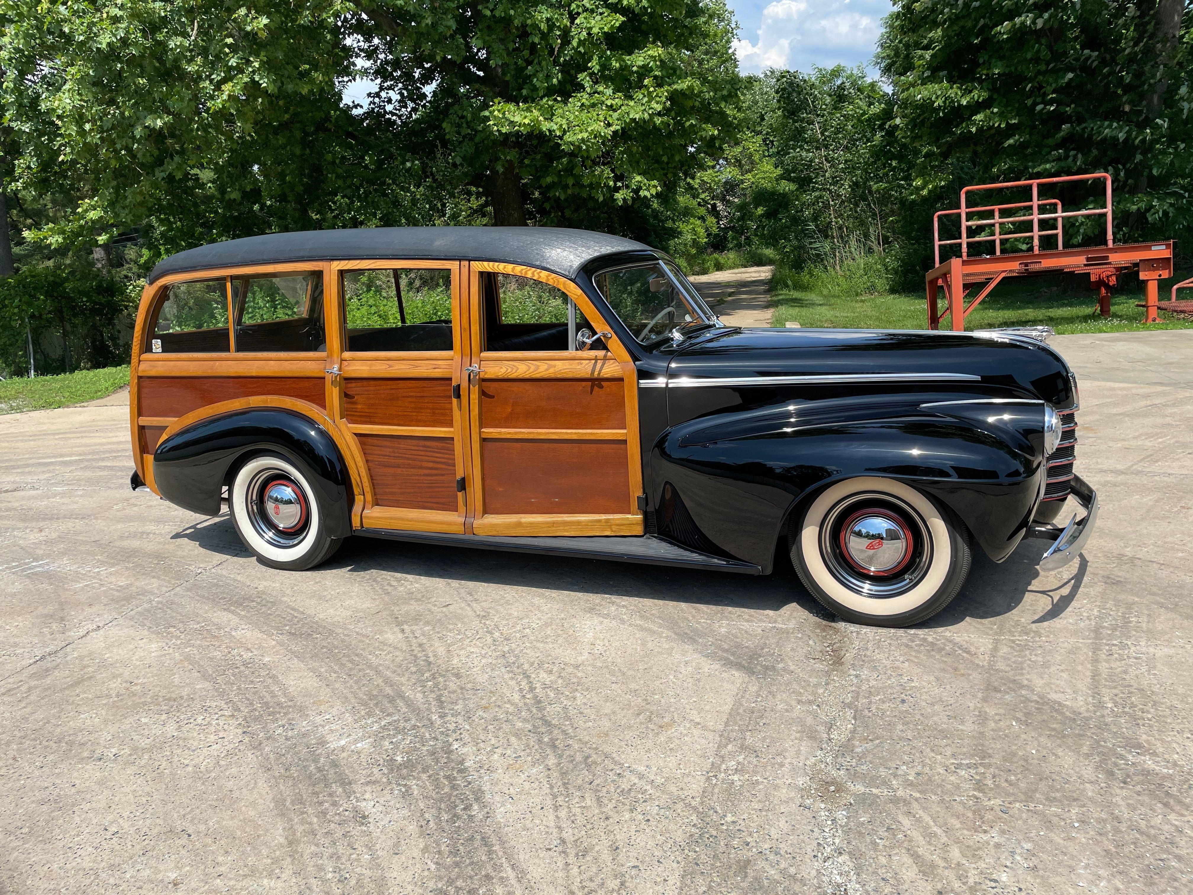 1940 Oldsmobile Series 70 Woodie Wagon
