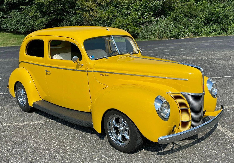 1940 ford deluxe 2 door sedan street rod