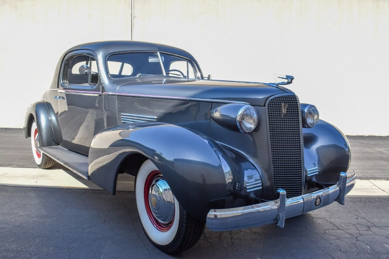 1937 cadillac 7057