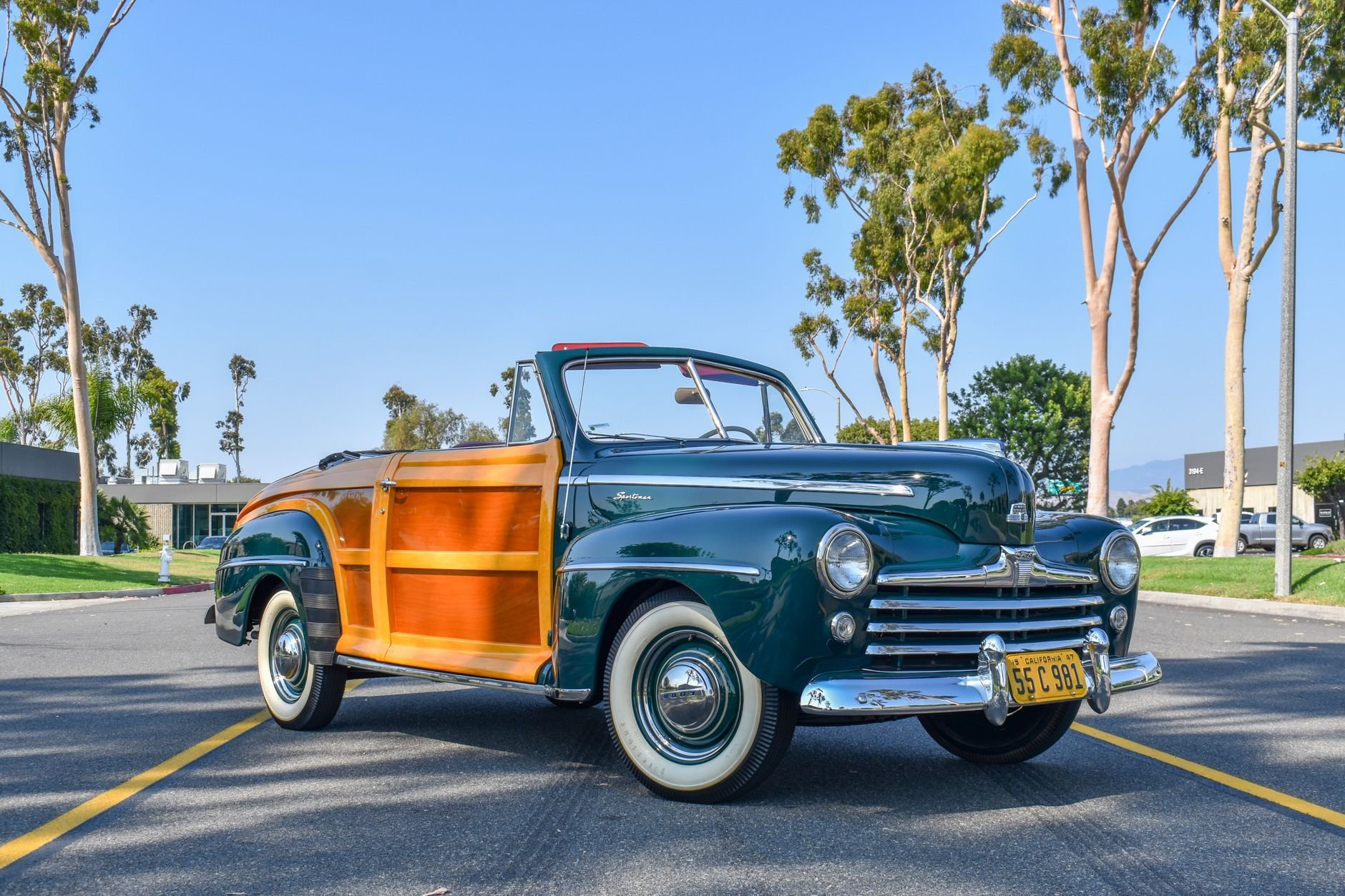 1947 ford sportsman deluxe