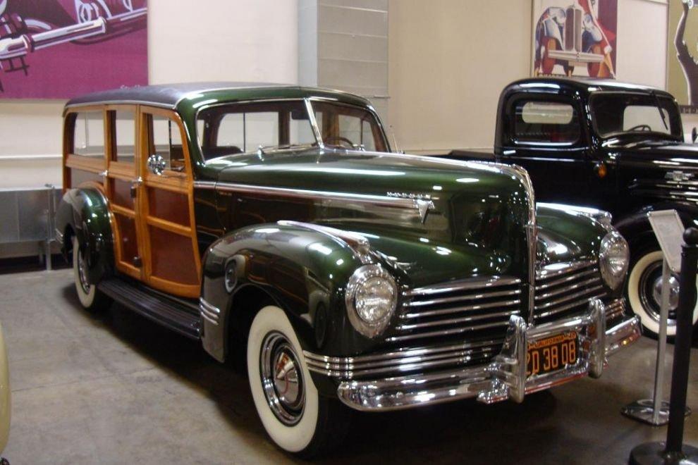 1942 hudson super six wagon