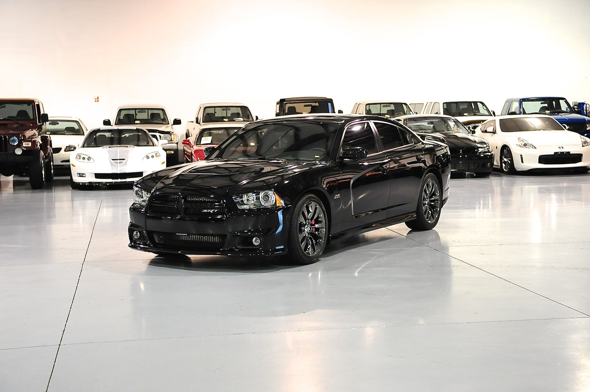 2014 dodge charger 4dr sdn srt8 rwd