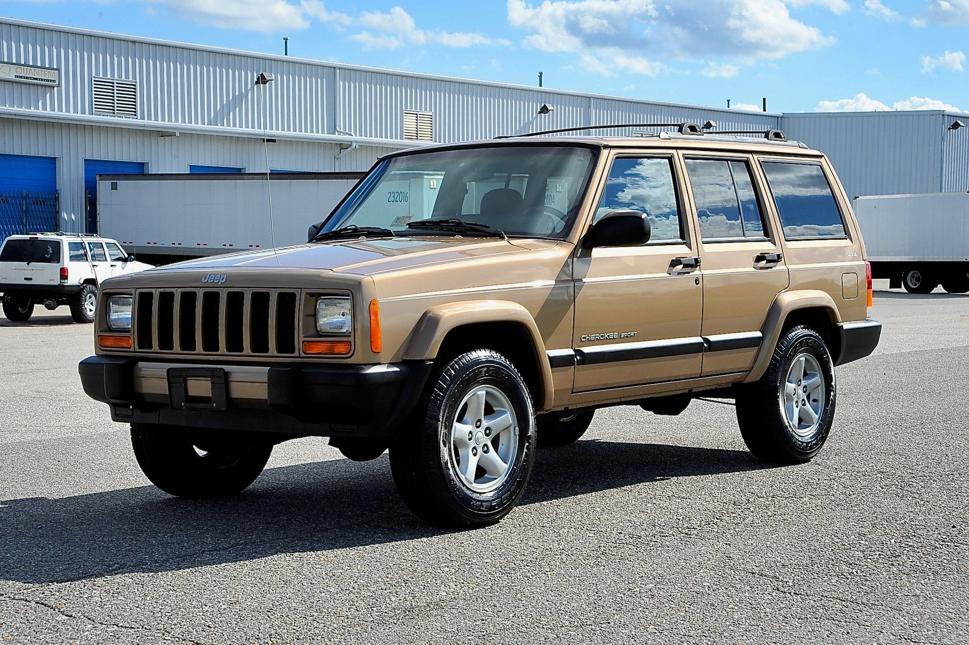 2000 jeep cherokee 4 door sport
